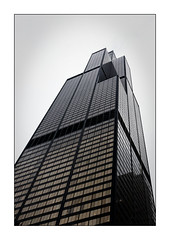 Willis Tower (Jean-Louis DUMAS) Tags: architecture architect architecte architectural architecturale bâtiment building reflets reflecting reflections immeuble buildiing colors chicago sony hiver winter neige noël christmas city tour tower