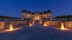Château de Vaux le Vicomte (Didier Ensarguex) Tags: châteaudevauxlevicomte soiréechandelles 77 vauxlevicomte didierensarguex 5dmarkiv 1635 heurebleue chandelles castle