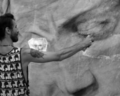 Artista di strada in bianco e nero (Darea62) Tags: blackandwhite street artist people monochrome art bw biancoenero sigma
