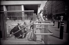 L'épuisement avait pris le pas sur la fébrilité des dernières heures (Gauthier V.) Tags: toycamera ultrawideslim urbain métro piétons escalier bruxelles régiondebruxellescapitale belgium