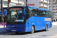 9993 DXR, Calle Girona Severo Ochoa, Benidorm, March 22nd 2018 (Southsea_Matt) Tags: 9993dxr jnavarro volvo callegirona benidorm spain march 2018 spring canon 80d sigma 1850mm bus omnibus vehicle publictransport passengertravel coach