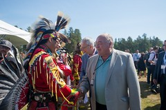 Premier/premier ministre McLeod at the meeting with Indigenous leaders / à la Rencontre avec les dirigeants autochtones