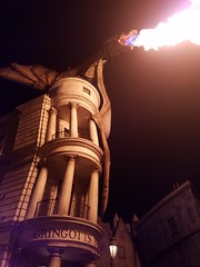 Dragon on Gringotts [Flickr Friday] [King of the Hill] (Mrs. Trusty) Tags: flickrfriday kingofthehill diagonalley universalstudiosorlando harrypotter dragon escapefromgringotts soc