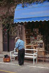 Tel-Aviv, Israel (mariliaapolonio) Tags: israel israeli jew jewish hebraico hebrew hebraic arab arabo arabe arabian palestina jerusalem telaviv middleeast orientemedio streetphoto streetphotography womanphotographer portraits urbanportraits city cidade ciudad citta vida life vita religion