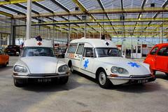 1974 Citroën DS Break Ambulance + 1976 Citroën DS Ambulance (Dirk A.) Tags: 84yb14 25yd96 sidecode3 importkenteken 1974 citroën ds break ambulance 1976