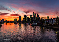 Skyline Frankfurt (schmittengelbert) Tags: abendrot artchitektur fluss fotowalk frankfurt himmel main skyline wasser exif:lens=tamronsp2470mmf28divcusdg2a032 exif:focallength=24mm exif:model=canoneos5dmarkiii exif:aperture=ƒ80 camera:make=canon exif:isospeed=100 camera:model=canoneos5dmarkiii exif:make=canon