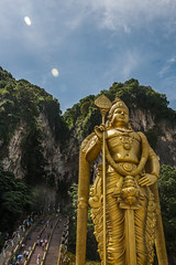 Batu Cave - Kuala Lumpur (Out Of The Map) Tags: asia asie southeastasia solotravel travel voyage viaja explore explora sculpture sky kualalumpur kuala lumpur malaysia outofthemap