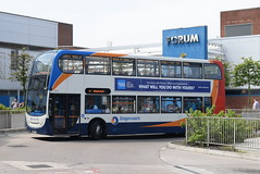 SM 19333 @ Wythenshawe Interchange (ianjpoole) Tags: stagecoach manchester alexander dennis enviro 400 mx08ucc 19333 working route 11 altrincham interchange stockport bus station