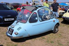 Trojan 200 162MBP (Andrew 2.8i) Tags: classics meet show cars car classic weston westonsupermare bubble british henkelkabine micro microcar 200 trojan