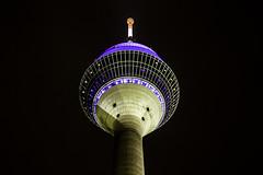 Düsseldorf0279Zollhafen (schulzharri) Tags: düsseldorf nrw deutschland germany europa europe architektur architecture glas modern haus building himmel gebäude stadt
