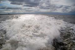 Auf geht`s nach Helgoland. (♥ ♥ ♥ flickrsprotte♥ ♥ ♥) Tags: nordsee helgoland büsum natur wasser wellen