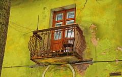 Балкон и стул (sava-vava) Tags: lj perm balconies window architecture house пермь балконы окна архитектура building 2014 br