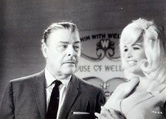 Brian Donlevy en Jayne Mansfield (poedie1984) Tags: jayne mansfield vera palmer blonde old hollywood bombshell vintage babe pin up actress beautiful model beauty hot girl woman classic sex symbol movie movies star glamour girls icon sexy cute body bomb 50s 60s famous film kino celebrities pink rose filmstar filmster diva superstar amazing wonderful photo picture american love goddess mannequin black white mooi tribute blond sweater cine cinema screen gorgeous legendary iconic lippenstift lipstick busty boobs fat spy 1966 brian donlevy