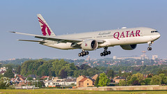 Qatar Airways Boeing B777-3 A7-BAS (SjPhotoworld) Tags: belgium belgië belgique brussels bru brussel brusselsairport biac zaventem ebbr airport airliner aviation aircraft airplane airline avgeek airliners airlines arrival b777 boeing b777300 plane passenger planespotting passengerjet longhaul canon a7bas qatar qr qtr doha explore extreme spotting transport travel final