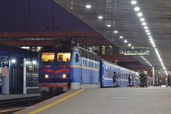 UZ/Уз ЧC4-186 with night train 86 Kyiv - Minsk | Kyiv pass. (Rostam Novák) Tags: uz уз чc4186 чc4 train enigne night kyiv minsk locomotive zug vlak škoda 86 pass station platform railway rail rostamnovak