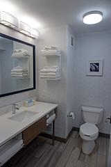 Hampton Inn, Butte, MT (SomePhotosTakenByMe) Tags: bad bathroom toilet toilette wc watercloset restroom butte stadt city usa america amerika unitedstates montana indoor hamptoninn hilton hotel