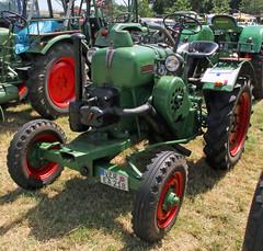 R22 (Schwanzus_Longus) Tags: oyten german germany old classic vintage farm farming vehicle machine tractor allgaier kaelble r22