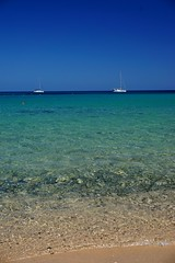 Relaxing blue (andbog) Tags: sardegna sardinia estate summer beach spiaggia mare seascape sea mediterranean mediterraneo boat water acqua colors colori italia italy it ca nora pula sony sonya6000 sonyalpha sonyalpha6000 sonya sonyα sonyilce6000 sony⍺6000 ilce ilce6000 sel selp1650 1650mm oss apsc sooc
