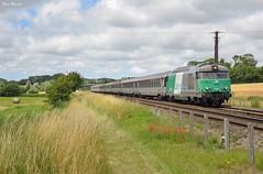 BB 67471 (Marc_135) Tags: bb67400 bb67471 fret 2022 ter terhautsdefrance abbeville train rail corai corail boulogne paris parisboulogne vert bleu nuages champs
