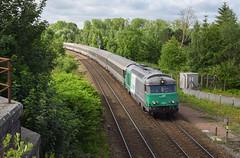 BB 67400 Fret (Marc_135) Tags: bb67400 bb67471 fret corail ter terhatsdefrance 2005 parisnord boulogne parisboulogne vert bleu nuages ombres rail train pont abbeville