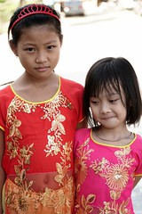Cute  little Vietnamese girls sisters , Sa Pa, Vietnam (adamba100) Tags: asia asian china chinese korea korean mongolia mongolian vietnam vietnamese thai beijing town city view landscape cityscape street life lifestyle style people human person man men woman women male female girl boy child children kid interesting portrait innocent cute charm pretty beauty beautiful innocence play face headshot pure purity tourism sightseeing tourist travel trip light color colour outdoor traditional cambodia cambodian phnom penh sony a6300 18105 siem reap pattaya bangkok field gate architecture tree building
