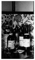 VINTAGE . ALCOHOL (JOHN MORGANs OLD PHOTOS.) Tags: vintage found photo happy hotel photos photographer people public pub uk unusual unitedkingdom unknown unique interesting old johnmorgan house location no name new national bw black and white vintagephoto where england the
