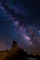 Via Làctia junt al Castell de Zafra (gercade) Tags: milky way stars sky cielo cel night rocas castillo castle long exposure