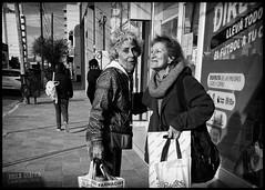 2019-07-11 (Alex Dukal) Tags: samsung s9plus mobile phonegraphy smartphone street callejera puertomadryn chubut patagonia argentina blancoynegro blackandwhite bw noir monochrome woman hypocam
