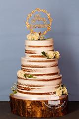 AJ1E9317_1.jpg (toertlifee) Tags: törtlifee 2019 nakedcake weddingcake hochzeitstorte echteblumen topper holz weiss rosen