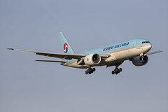 HL8043 Arlanda 2019 (martindjupenstrom) Tags: b777 boeing arlanda aviation plane jet summer evening landing airport arlandaairport spotting light aircraft airplane koreanaircargo hl8043