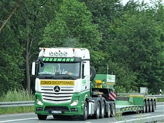 Mercedes-Benz Actros MP4 gigaspace from Vossman Germany. (capelleaandenijssel) Tags: olv9637 truck trailer lorry camion lkw heavy haulage convoi exceptionnel