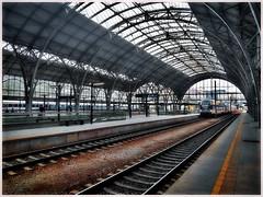 Arriving in Prague (kurtwolf303) Tags: prag praha prague bahnhof trainstation train zug tschechien huawei kurtwolf303 building gebäude schienen