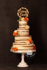b0052af5-467c-567d-bde4-2372990f6196 (toertlifee) Tags: törtlifee 2019 nakedcake weddingcake hochzeitstorte gold topper holz orange weiss schleierkraut echteblumen