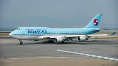 HL7472 - Korean Air - Boeing 747-4B5 (bcavpics) Tags: china airplane hongkong aviation koreanair hl7472 plane boeing 747 jumbo 744 aircraft jet hkg sar airliner cheklapkok vhhh bcpics