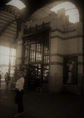Haarlem railway station 06/07/19. (Ledlon89) Tags: rotterdam haarlem nl holland netherlands transport tram train sprinter signs
