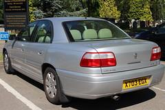 2000 Vauxhall Omega 2.2 (doojohn701) Tags: retro classic car silver british reflection 2000 v6 luton vauxhall omega opel uk