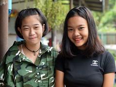 pretty teenagers (the foreign photographer - ฝรั่งถ่) Tags: pretty teenager khlong lard phrao portraits bangkhen bangkok thailand nikon d3200 decorative braces