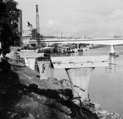The Construction of the Riverside Expressway (Queensland State Archives) Tags: australia queenland qld travel country city town history historic heritage vintage image blackandwhite bnw old photography photograph photo building architecture archi construction work workers 1940s people