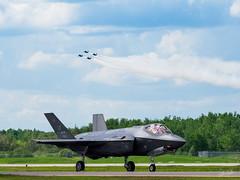20170604_6041734-1_resize (iskiharder) Tags: airshow aircraft blueangels duluth f18 f35 minnesota unitedstates olympus em1m2 em1mark2 em1