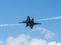 20170604_6041614-1_resize (iskiharder) Tags: airshow aircraft blueangels duluth f18 minnesota unitedstates olympus em1m2 em1mark2 em1