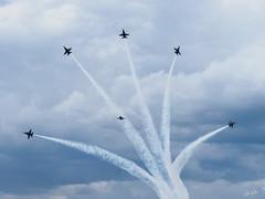 20170604_6041815-1_resize (iskiharder) Tags: airshow aircraft blueangels duluth f18 minnesota unitedstates olympus em1m2 em1mark2 em1