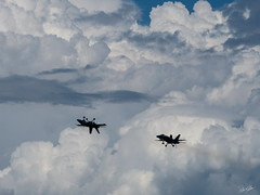 20170604_6041490-1_resize (iskiharder) Tags: airshow aircraft blueangels duluth f18 minnesota unitedstates olympus em1m2 em1mark2 em1