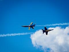 20170604_6041476-1-2_resize (iskiharder) Tags: airshow aircraft blueangels duluth f18 minnesota unitedstates olympus em1m2 em1mark2 em1