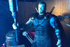 1656-192 Ragnarok Thor (misterperturbed) Tags: thor thorragnarok mezco mezcoone12collective one12collective marvel disney godofthunder lifx