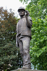 The Building Worker (Rick & Bart) Tags: london uk city urban rickvink rickbart canon eos70d statue sculpture monument thebuildingworker alanwilson