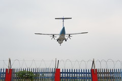 IMG_8264 (Ethene Lin) Tags: 松山機場 飛機巷 飛機 欄杆 atr72 華信航空