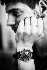 Juste une question de temps. La vie. (LACPIXEL) Tags: question cuestión matter time temps tiempo vie life vida pensée montre reloj watch main hand mano homme hombre man noiretblanc blancoynegro blackwhite sony flckr lacpixel
