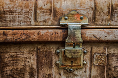 Locked (3 of 3).  (Explore) (+Pattycake+) Tags: whitwellreepham whitwellandreepham trains brassh 9jul19 metal summer 1855mm macro lock trnk museum closeup station luggage railway ©patriciawilden2019 containers norfolk canoneos70d old patina rusted outside coth5