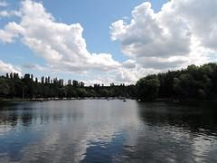 Izmaylovsky Park. Circle pond. (Ольга К.) Tags: измайлово москва парк пейзаж пруд pond park water sky moscow russia небо вода