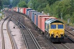 Feightliner - 66509 (Signal Box - Railway photography) Tags: outdoor railway railroad freightliner 66509 class66 wortingjunction hampshire ukrailway mainline diesel locomotive freighttrain freight train